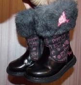 Демисезонные черные сапожки маленькой фанатке Пеппы - 6 размер, 14,5 см