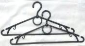 Вешалки- плечики для одежды.