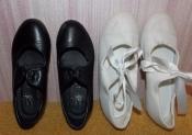 Две пары танцевальных туфелек (черные и белые) на девочку - 29-30 размер