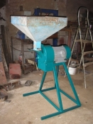 Крупорушка, зернодробилка, кормодробилка, измельчитель, молотковая дробилка для зерна, мельница, КДУ