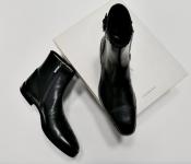 Женские ботинки Iceberg, Италия, модель инспектор, низкий ход, новые.