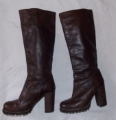 Шикарные демисезонные коричневые женские сапоги - 35 размера. Румыния