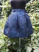 НЕОБЫЧАЙНО КРАСИВАЯ зимняя юбка с карманами от бренда 28,5, новая с бирками, цвет - синий.