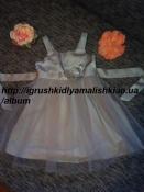 нереальной красоты нарядное платье с цветком h&m на 2-3 года.