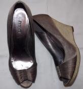 Красивые коричневые  атласные  туфли Graceland - 40 размер, стелька - 26 см