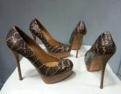 Туфли Alexander McQueen из змеиной кожи, оригинал, в двух размерах: 39,5 и 40.