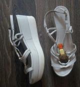Белые мягкие кожаные  босоножки на танкетке Cafenoir - 40 р., 27 см. Италия