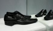 Мужские туфли Iceberg, оригинал, новые, кожаные, цвет- черный.