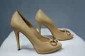 Женские туфли Gucci, оригинал, кожаные, цвет бежевый.