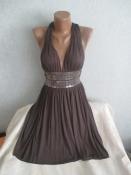 Эффектное платье с открытой спинкой от Warehouse