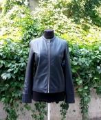 Кожаная куртка от французского бренда Cacharel, оригинал, цвет- черный.