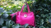 Яркая сумка Juicy Couture, оригинал, новая, кожаная, цвет- фуксии.