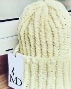 Шапка вязаная ручная работа бледно-желтая велюр новая handmade теплая