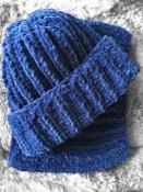 Шапка и снуд хомут вязаные ручная работа синий велюр новый набор