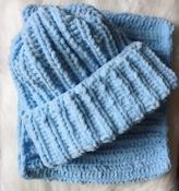 Шапка и снуд хомут вязаные ручная работа голубой велюр новый набор