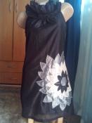 Изысканное платье с аппликацией и жабо от AX Paris