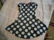 очень красивое тепленькое платье (плотное) yd на 2-3 года