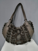 Оригинальная сумка Salvatore Ferragamo из меха норки, кожи и шерсти.