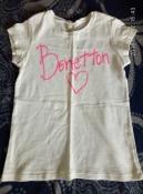 очень красивая белая футболка benetton примерно на 7 лет