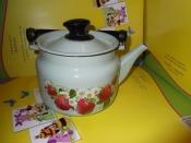 Чайник эмалированный объём 1,7 литра б/у