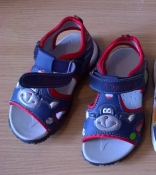 Яркие сандалии 25, 28 р. на липучке