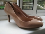 классические кремовые лаковые туфли лодочки 37 m&s marks & spencer