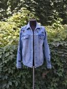 Джинсовая куртка Alise, стильная вышивка, состояние новой.