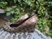 Туфли Gucci, оригинал, танкетка, кожаные.
