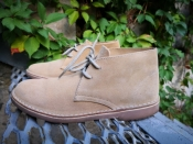 Замшевые ботинки Topytes ( Испания ), низкий ход, в двух цветах: синий и бежевый.