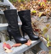 Фирменные сапоги Bally оригинал, кожаные, цвет - черный.