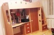 Продам кровать-чердак с рабочим уголком для подростка