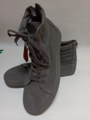 Vans. Брендове взуття Stock