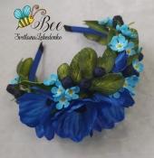 Обруч с цветами и ягодами в синих тонах
