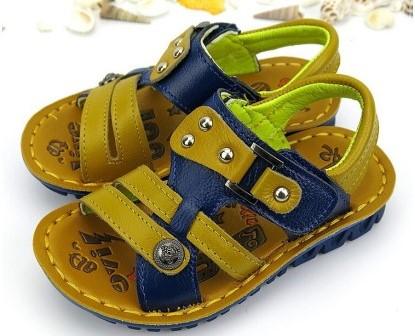 b6d1829ff13eb6 Зробити вдалі покупки вам допоможуть рекомендації щодо правильного вибору  літнього взуття для дітей.